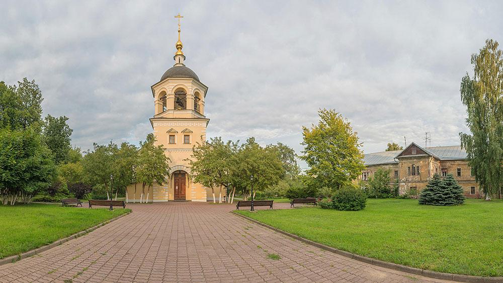 Крестовоздвиженская моленная женского двора Преображенского монастыря (лето, 2019 г.)