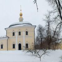 Крестовоздвиженская моленная женского двора Преображенского монастыря (зима, 2019 г.)