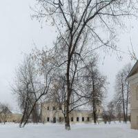 Вид на Крестовоздвиженскую моленную женского двора Преображенского монастыря (зима, 2019 г.)