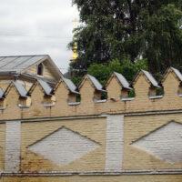 Часть стены монастыря женского двора Преображенского монастыря